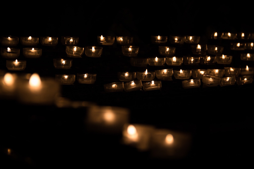 candles-funeral-service