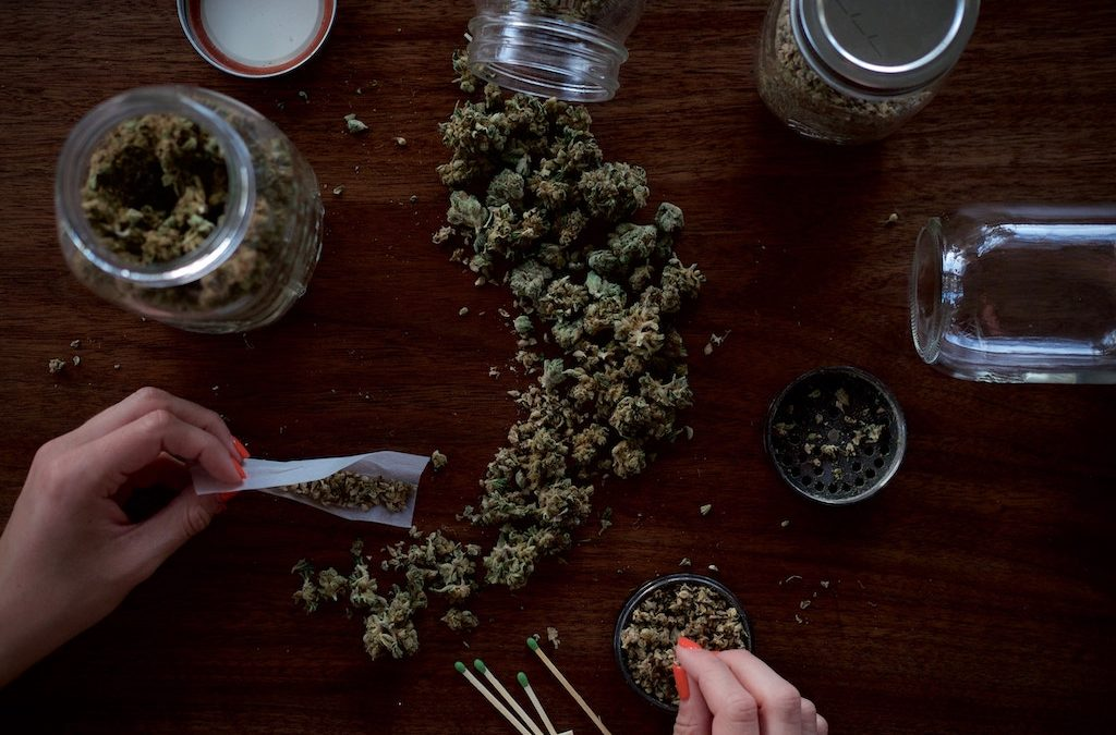 Marijuana Science 101: How Does a Bong Work