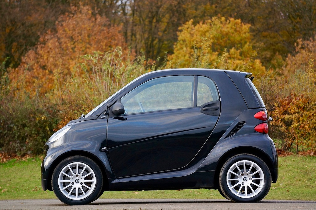 The Benefits of a Smart Car Over Traditional Cars