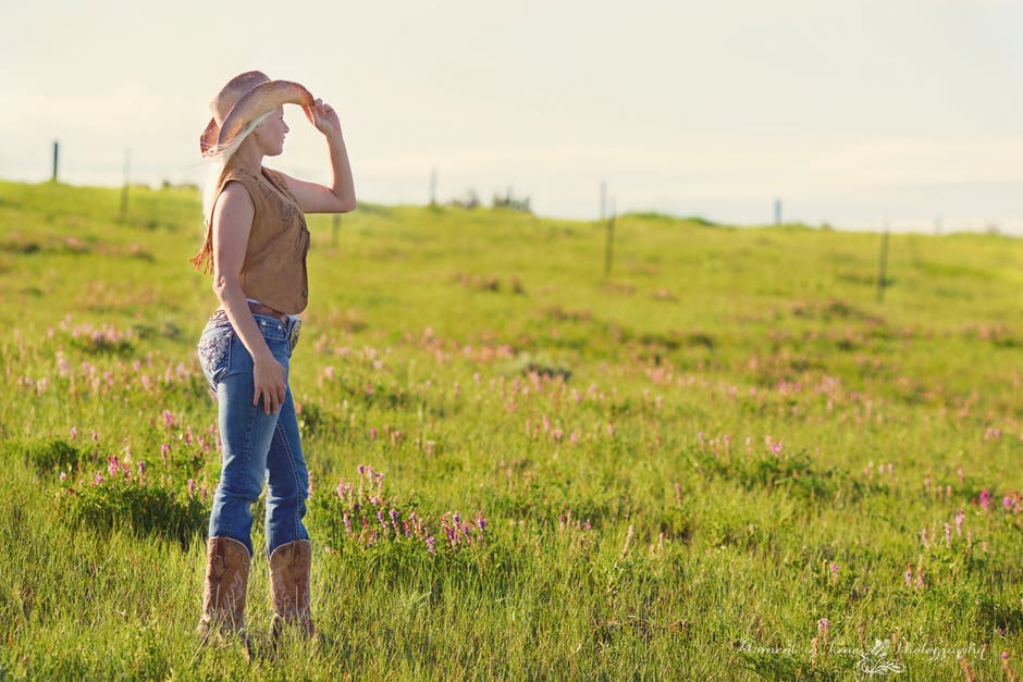 Lasso Her Heart: 10 Special Gifts Just For Cowgirls