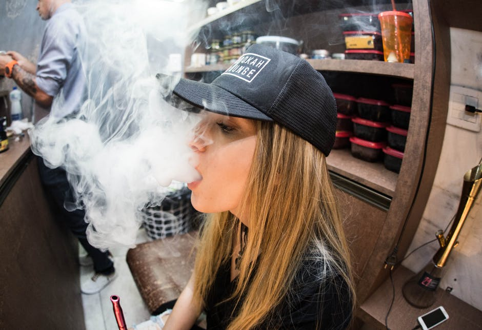 How to Smoke Hookah Simplified for the Complete Beginner