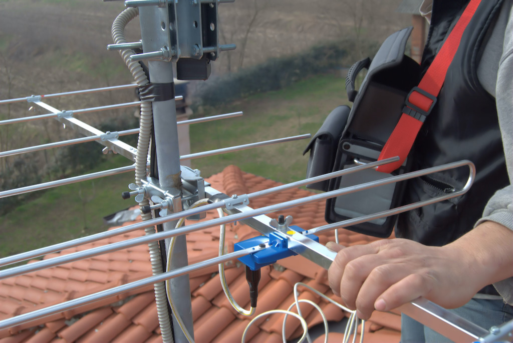 How Much Does it Cost to Have an Outdoor TV Antenna Installed?
