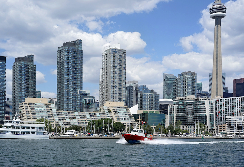 5 Awesome Reasons to Move to Toronto