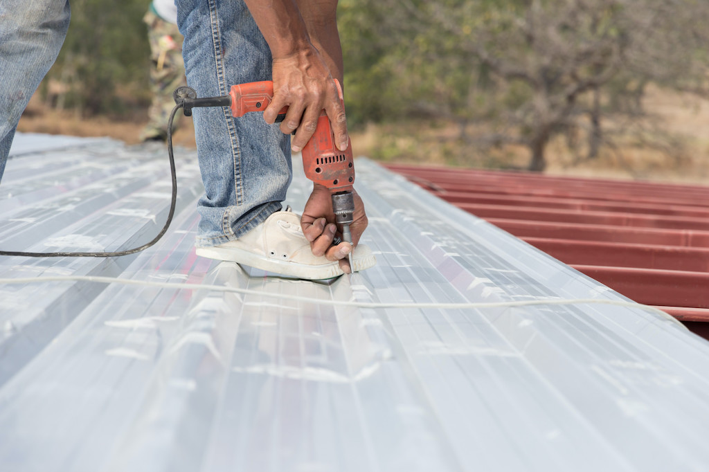5 Things to Consider When Calculating the Cost of Metal Roofs