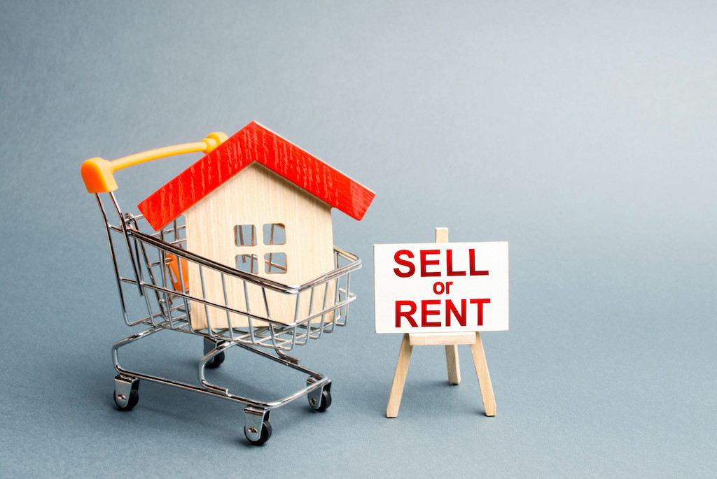 Selling or Renting: What Should You Do with Your House?