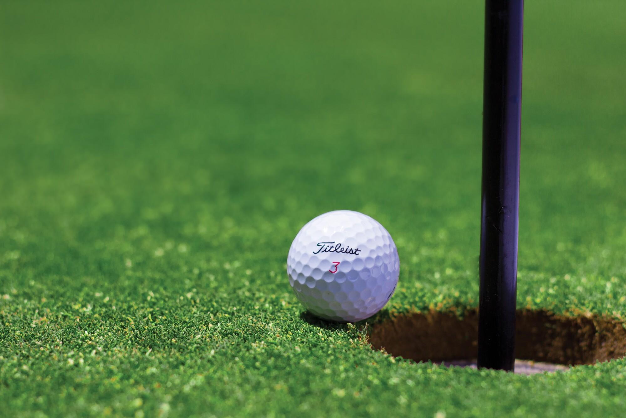 Golf-ball-