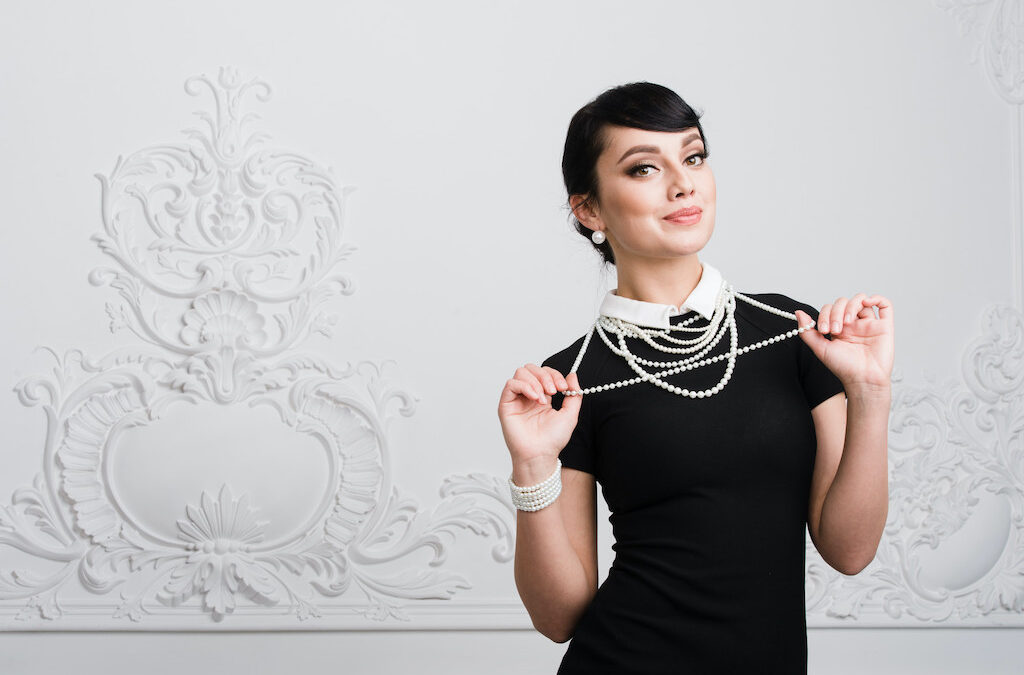 How to Wear Jewelry at Work and Look Professional