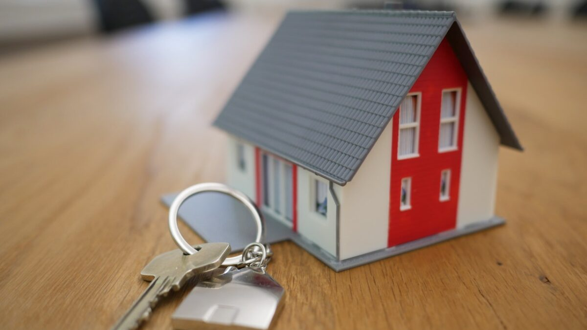 5 Reasons You Should Invest in Property Management