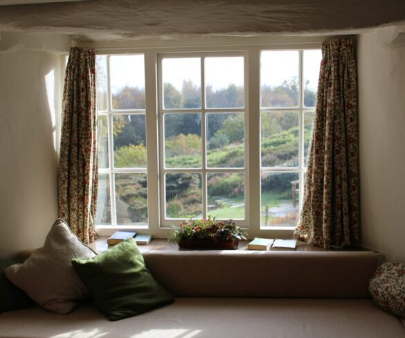 9 Common Signs You Need to Get New Windows for Your Home