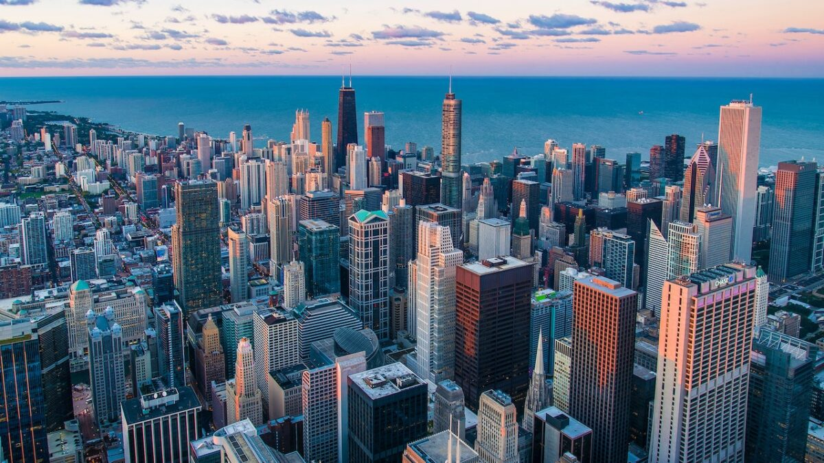 4 Thrilling Reasons to Purchase a Chicago House