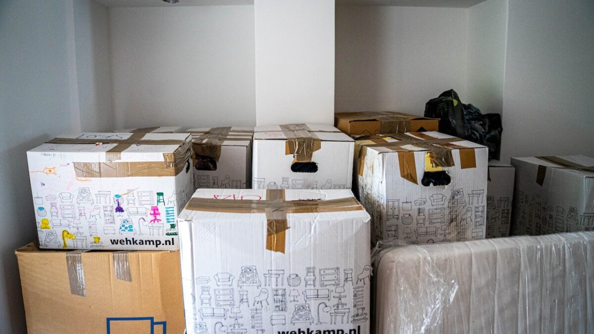 Tips For Relocating – Checklist For Moving Houses